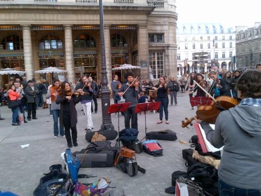 Paris-20120929-00944