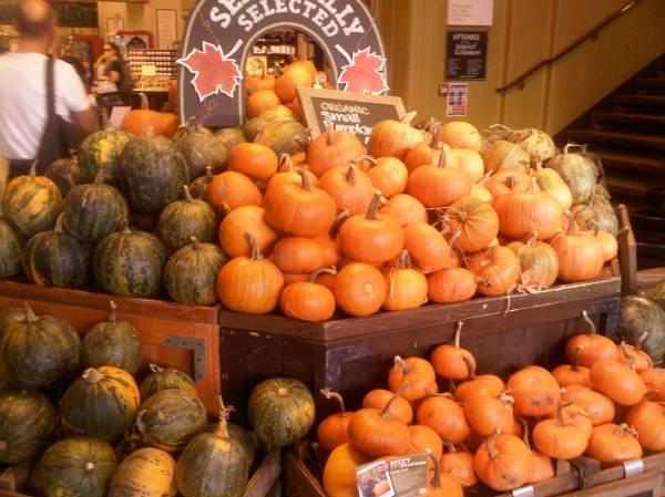 Органический рынок Whole Foods в Kensingtone я особенно люблю за продающийся там наш кефир. Любители правильного кефира знают, как непросто его найти за границей.